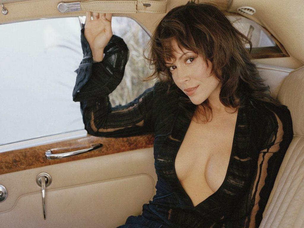 Alyssa Milano wallpapers HD quality