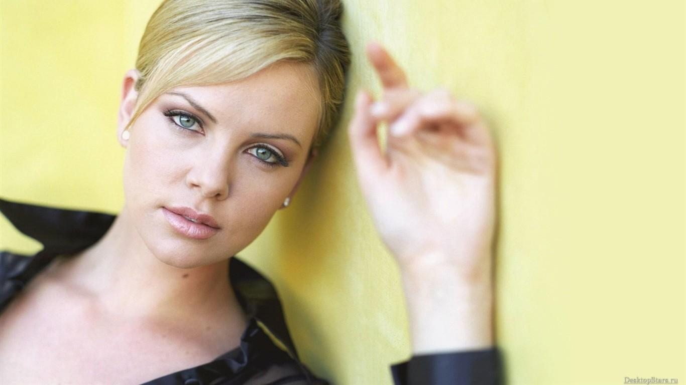 Charlize Theron Wallpaper Hd Download
