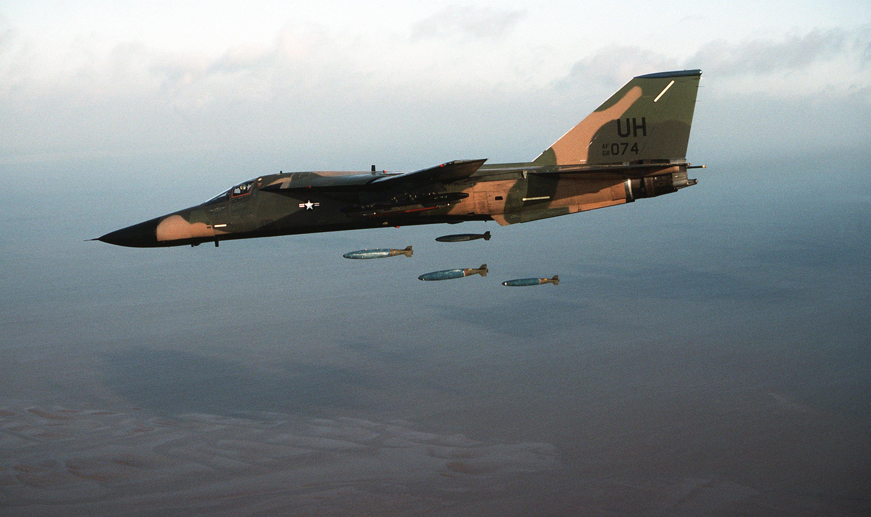 General Dynamics F-111 Aardvark wallpapers HD quality