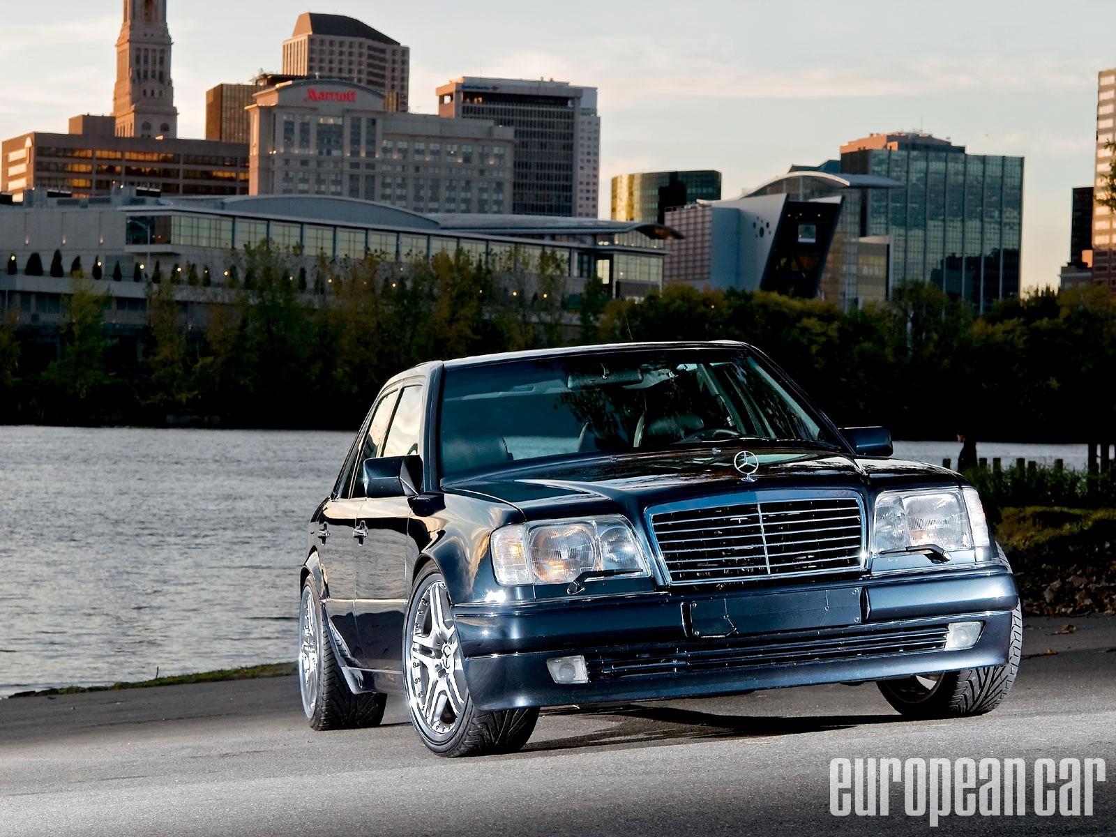 Mercedes Benz W124 Wallpaper HD Download