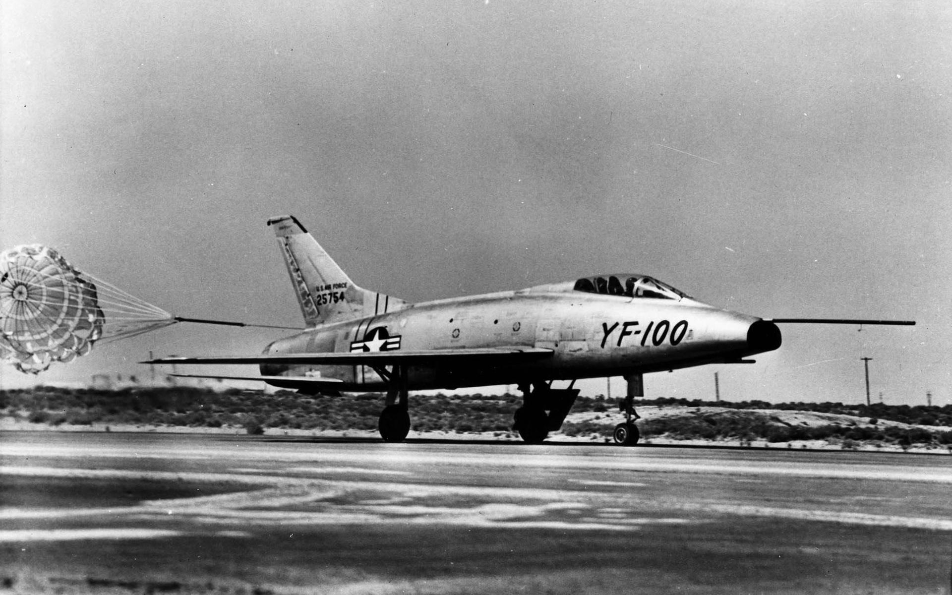 North American F-100 Super Sabre wallpapers HD quality