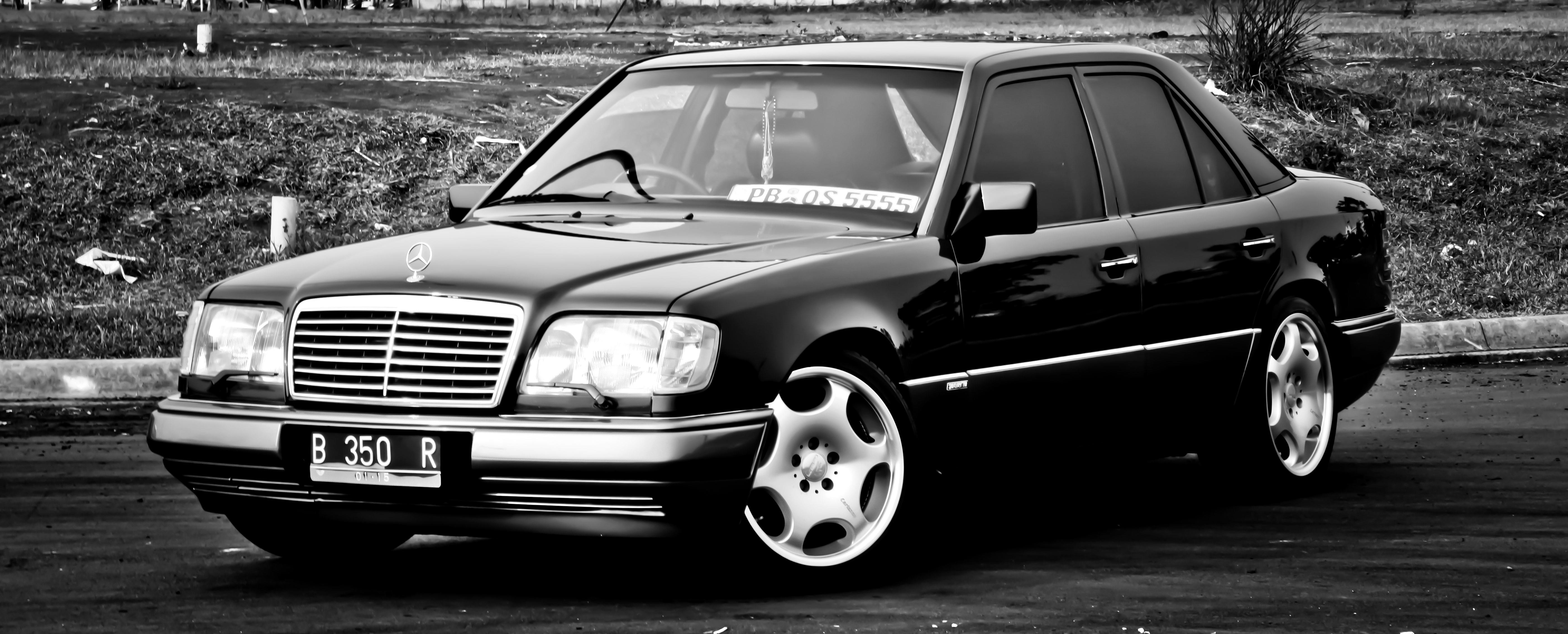 Mercedes benz w124 wallpaper hd download for Mercedes benz of brooklyn