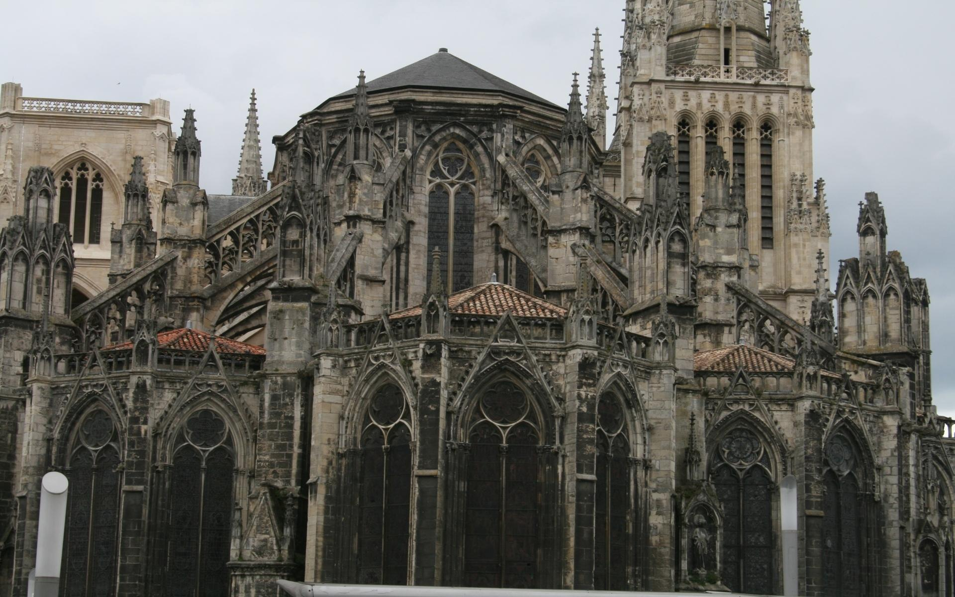 Bordeaux Cathedral at 640 x 1136 iPhone 5 size wallpapers HD quality