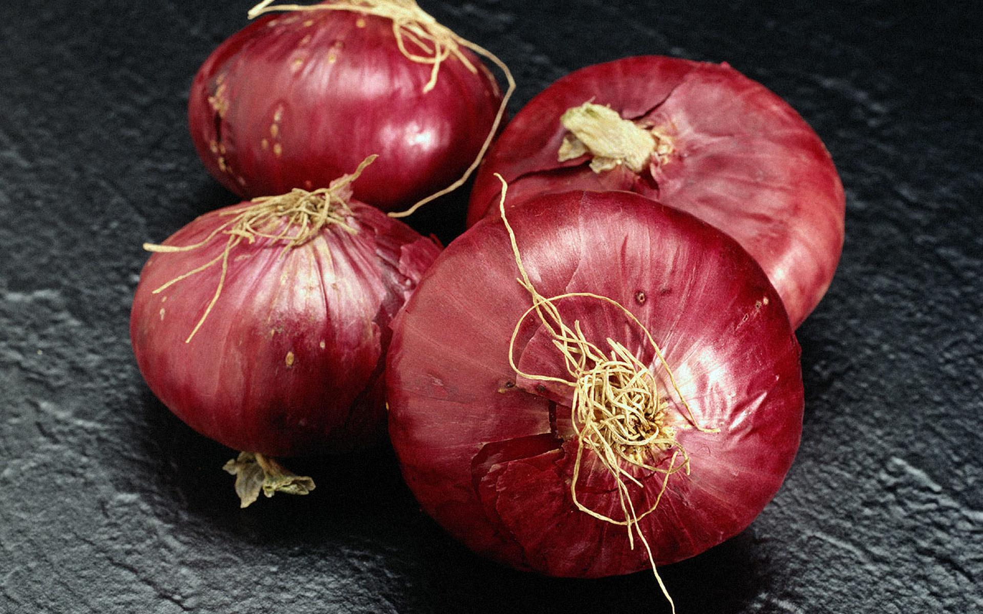 Onion at 320 x 480 iPhone size wallpapers HD quality