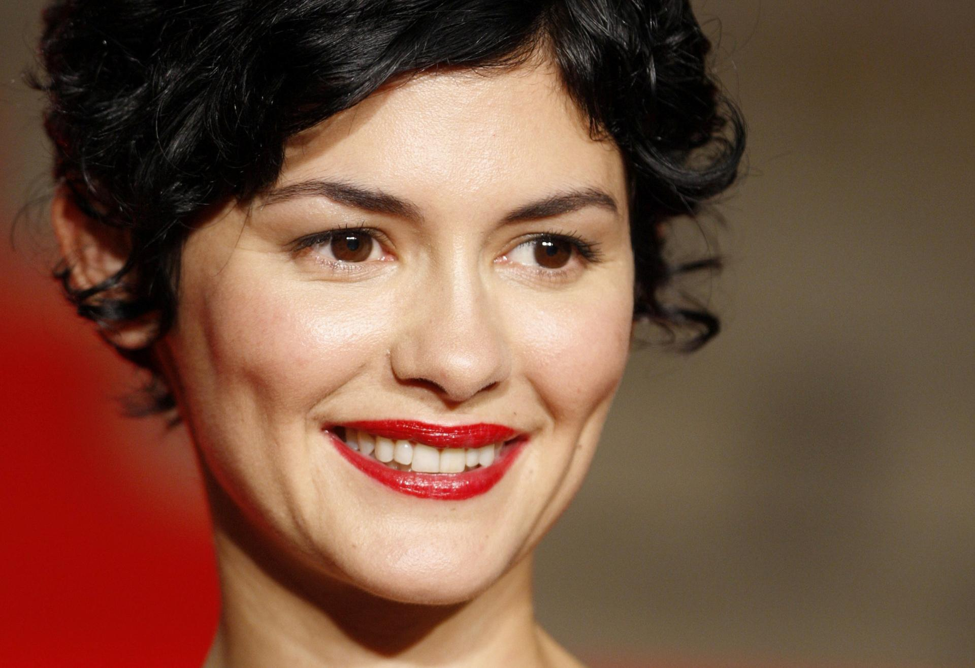 audrey tautou wallpaper hd download