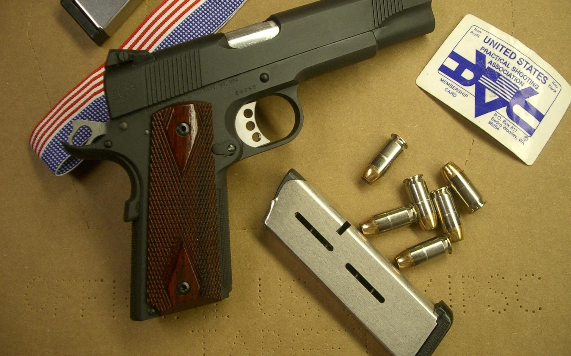 пистолет обойма патроны  № 3460139 бесплатно
