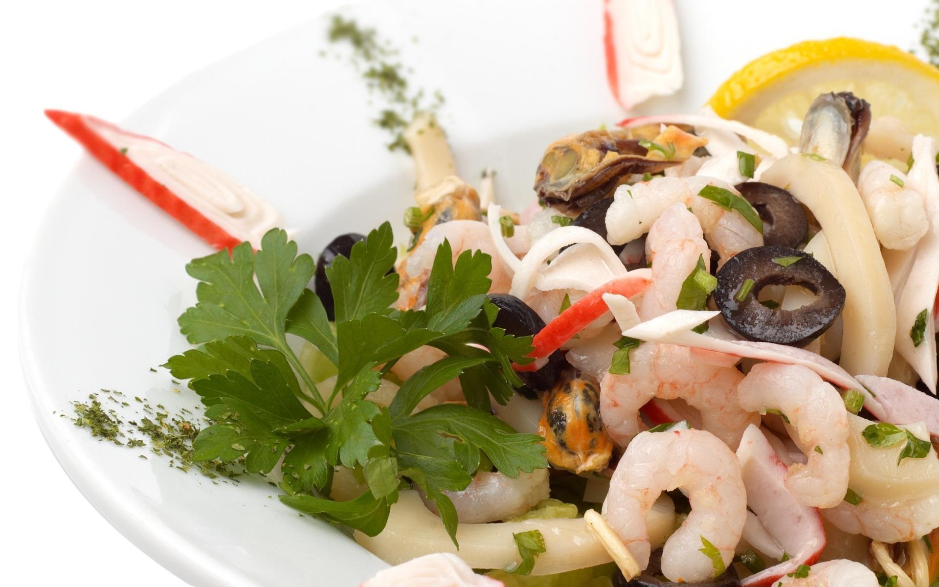 Диетические салаты с морепродуктами
