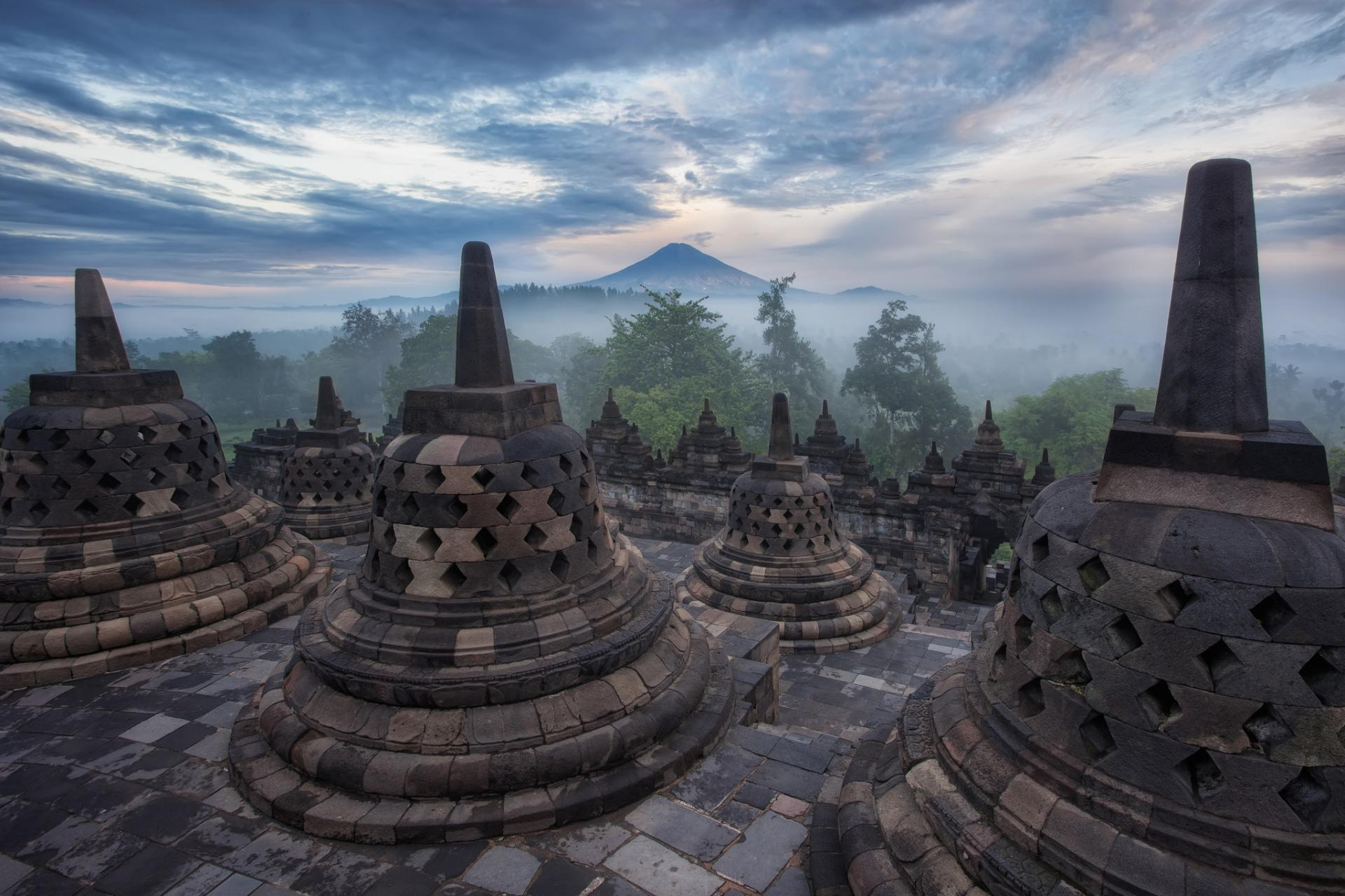 Borobudur at 320 x 480 iPhone size wallpapers HD quality