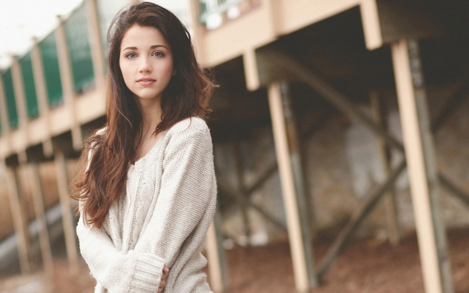 Emily Rudd wallpapers HD quality