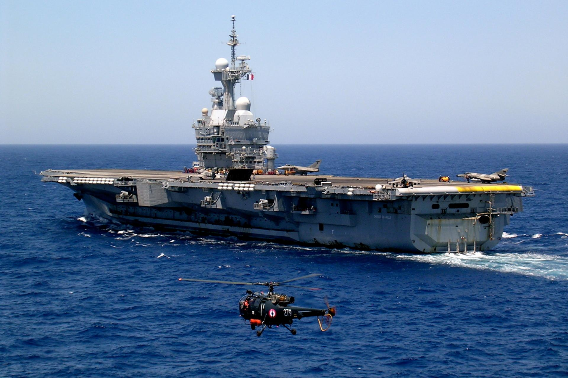 French Aircraft Carrier Charles De Gaulle (R91) wallpapers HD quality