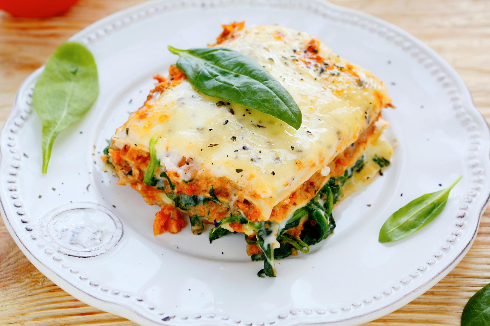 Lasagne at 640 x 960 iPhone 4 size wallpapers HD quality