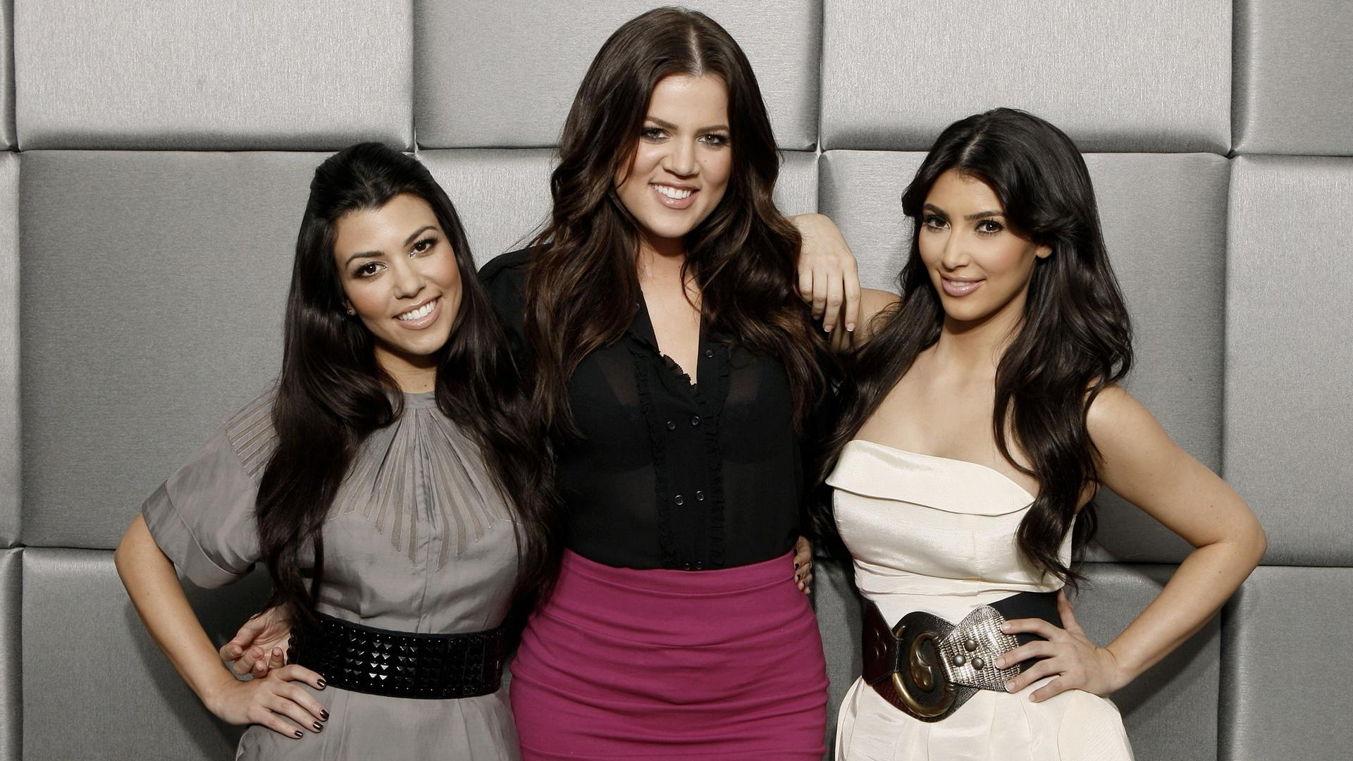 Keeping Up With The Kardashians Wallpaper HD Download