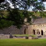 Valle Crucis Abbey full hd