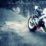 Aprilia RSV4 wallpapers for android