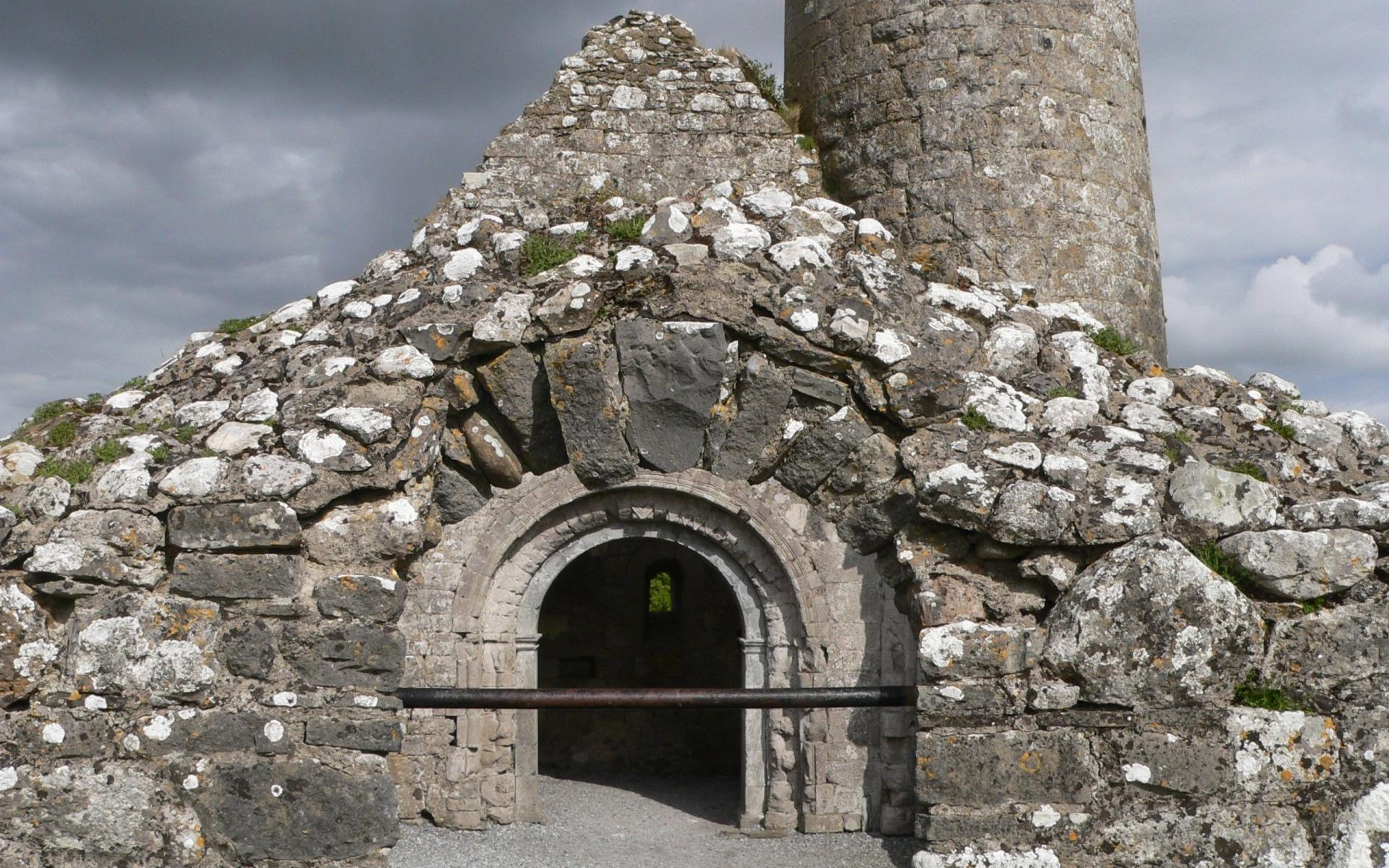 Clonmacnoise Monastery wallpapers HD quality
