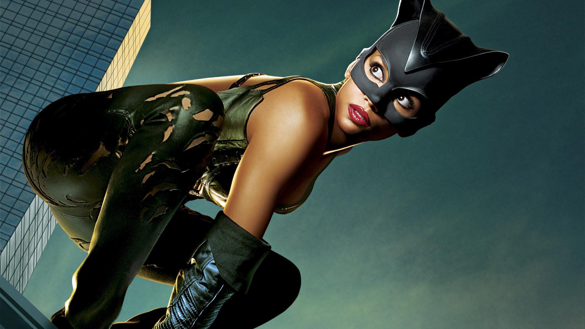 Catwoman halle berry sex lasbein erotic pics