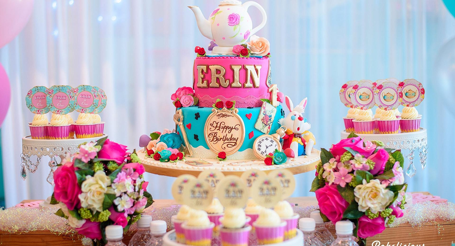 Birthday Party Cake and Cupcakes wallpapers HD quality