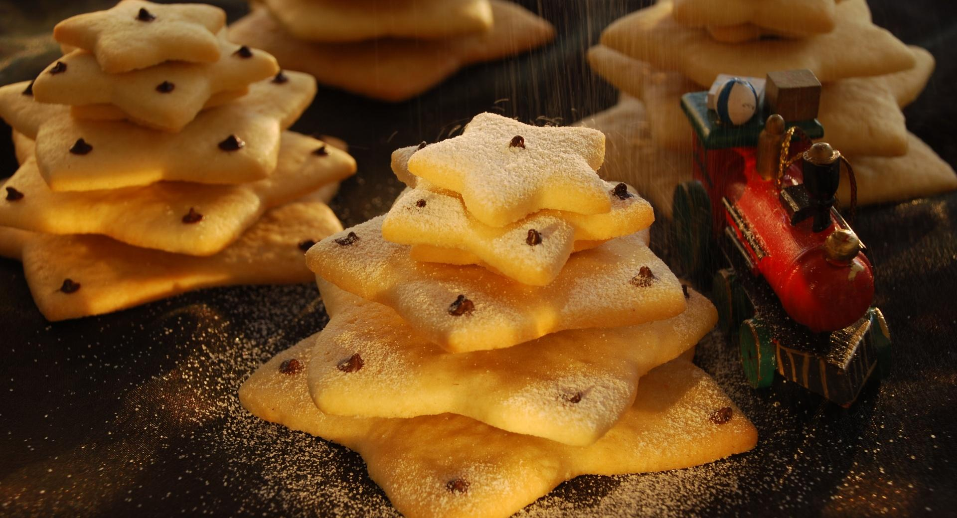 Christmas Biscuit Trees wallpapers HD quality
