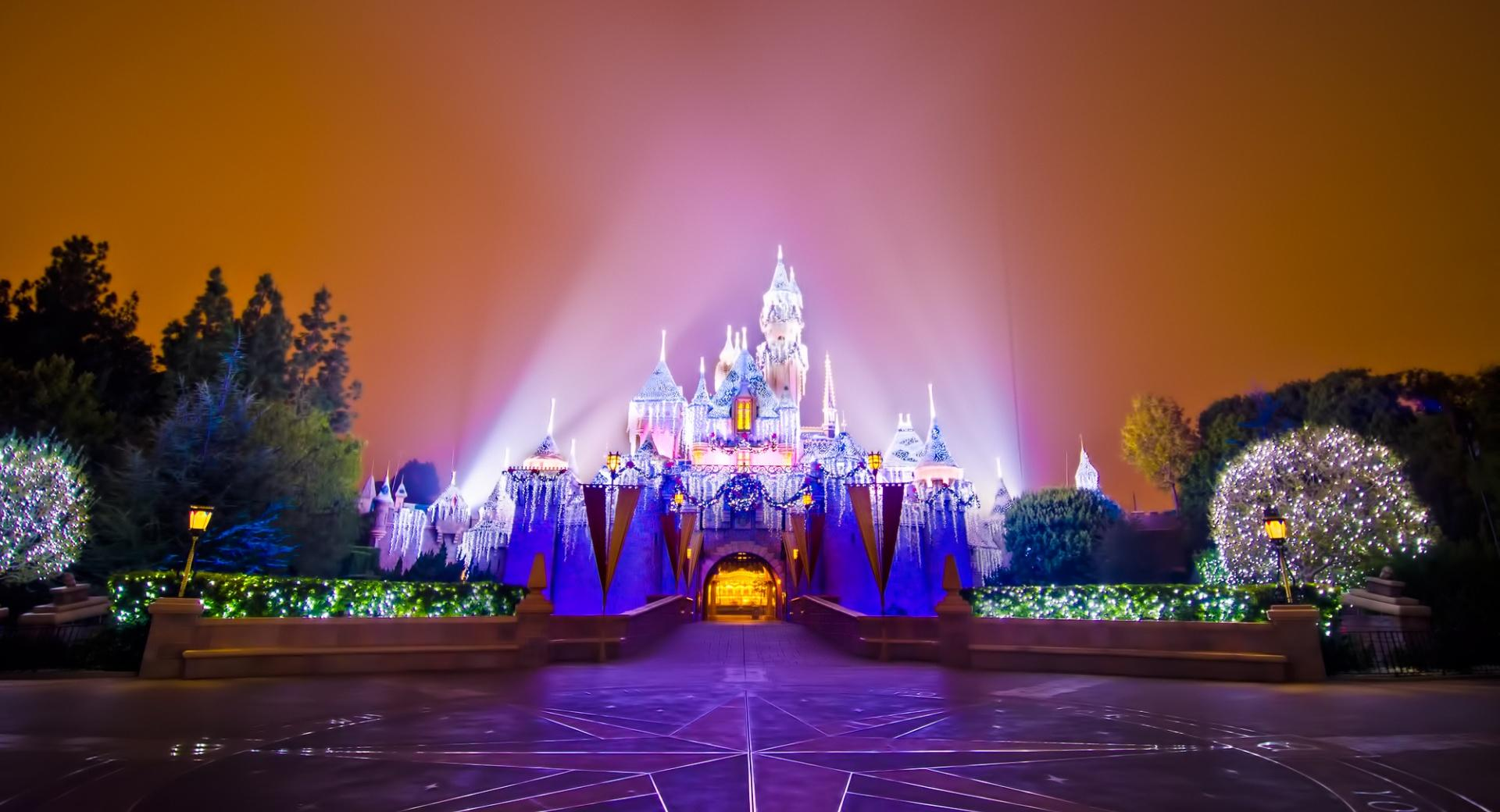Disneyland Castle Christmas wallpapers HD quality