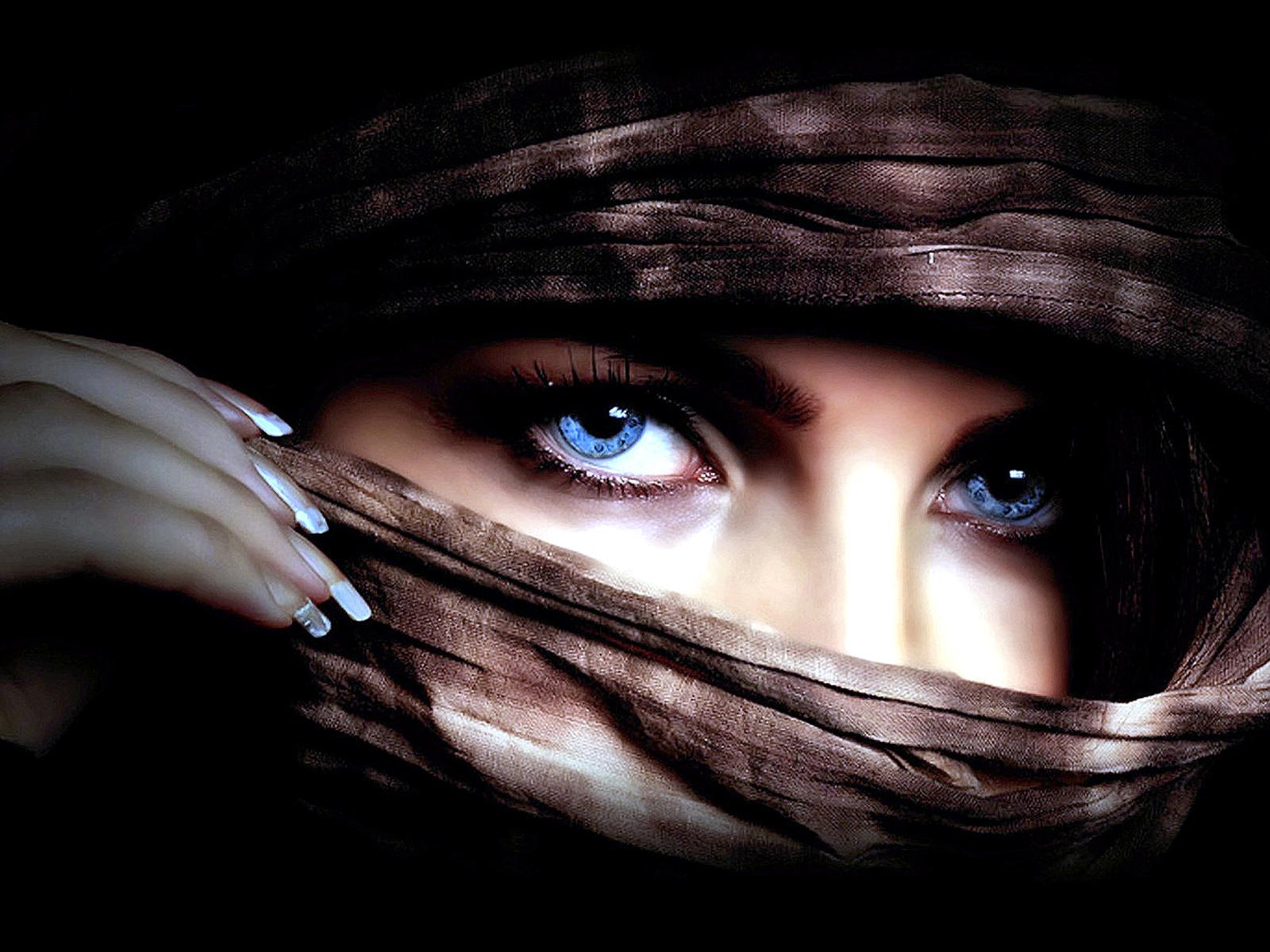 Eye Women at 1024 x 1024 iPad size wallpapers HD quality
