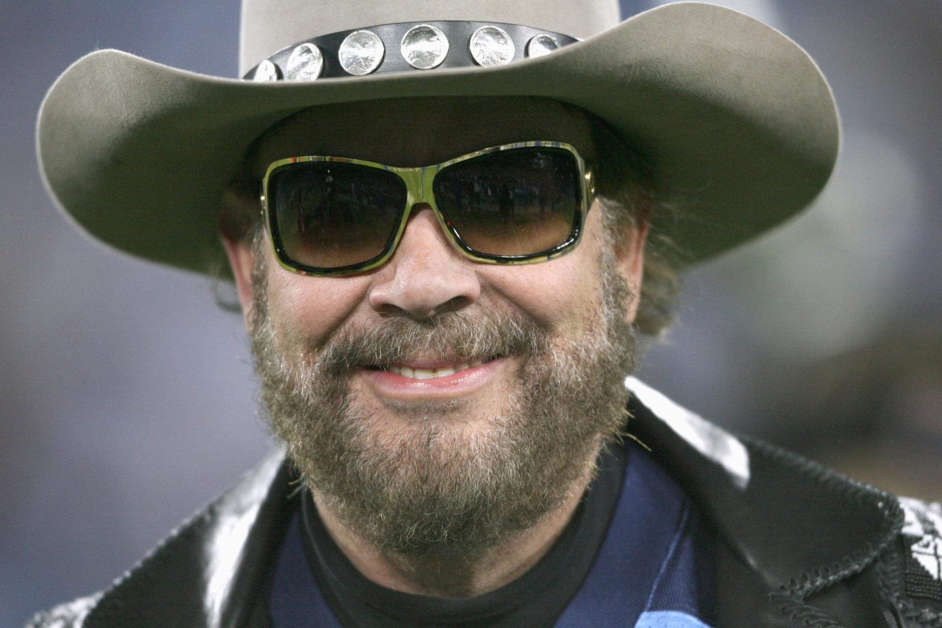 "hank williams jr essays Hank williams was a key person in the development of modern country music he caused a shift in country music from a regional, rural phenomenon to a nationwide, urban acceptance in the late 1940's he turned ""hillbilly"" music into country music."