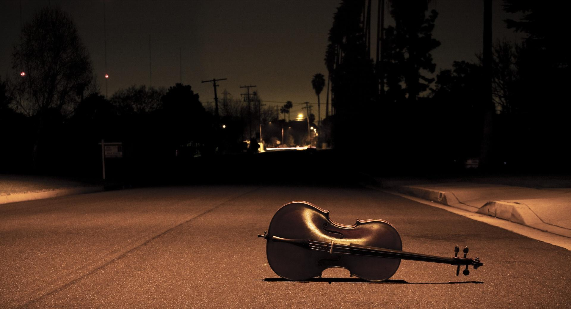 Cello On The Street wallpapers HD quality