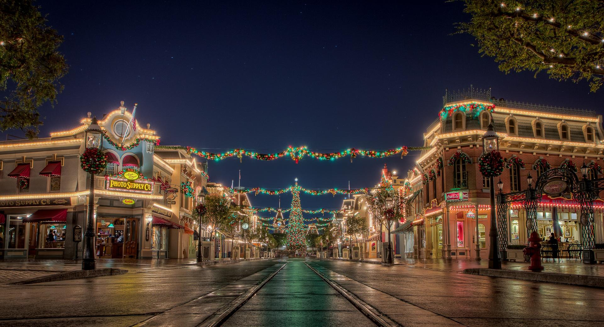 Christmas at Disneyland wallpapers HD quality