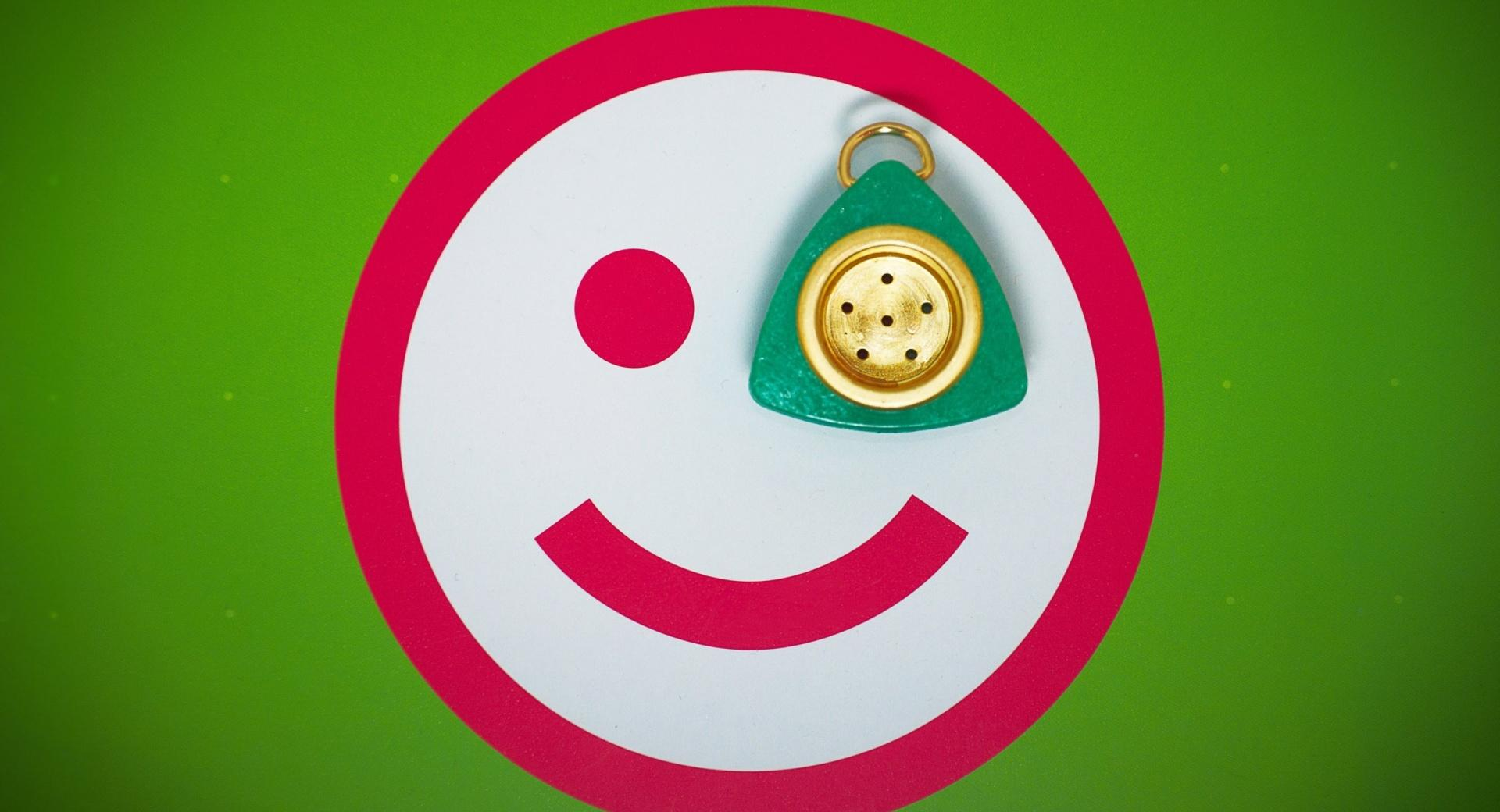 Monocle Smiley wallpapers HD quality