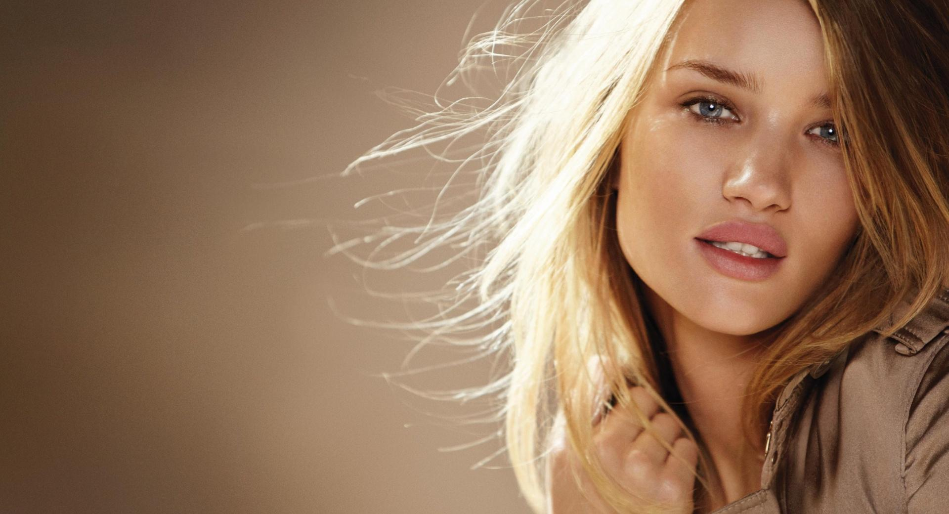 Rosie Huntington For Burberry wallpapers HD quality