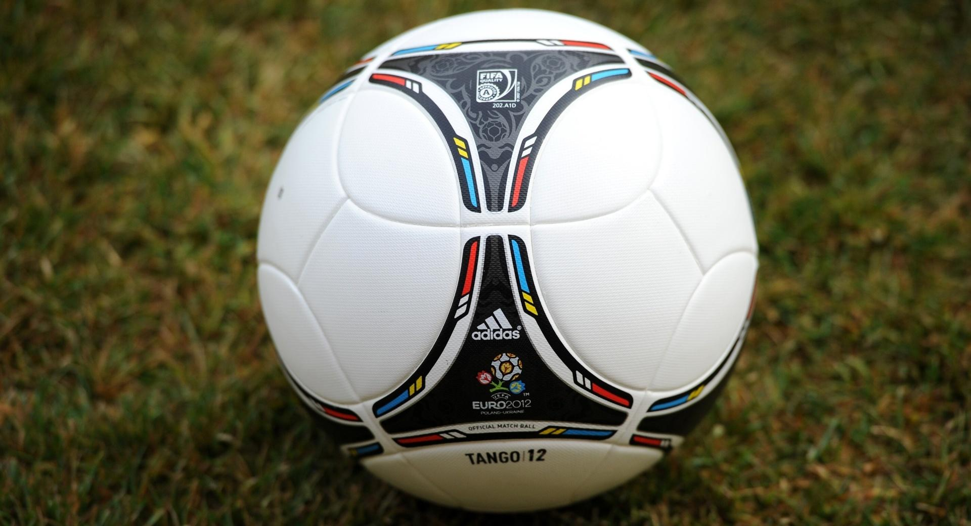 Tango 12 Soccer Ball wallpapers HD quality