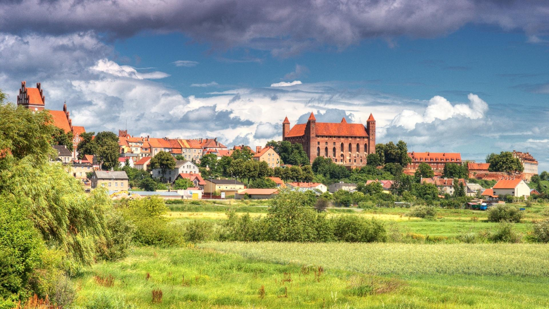 Gniew Castle wallpapers HD quality