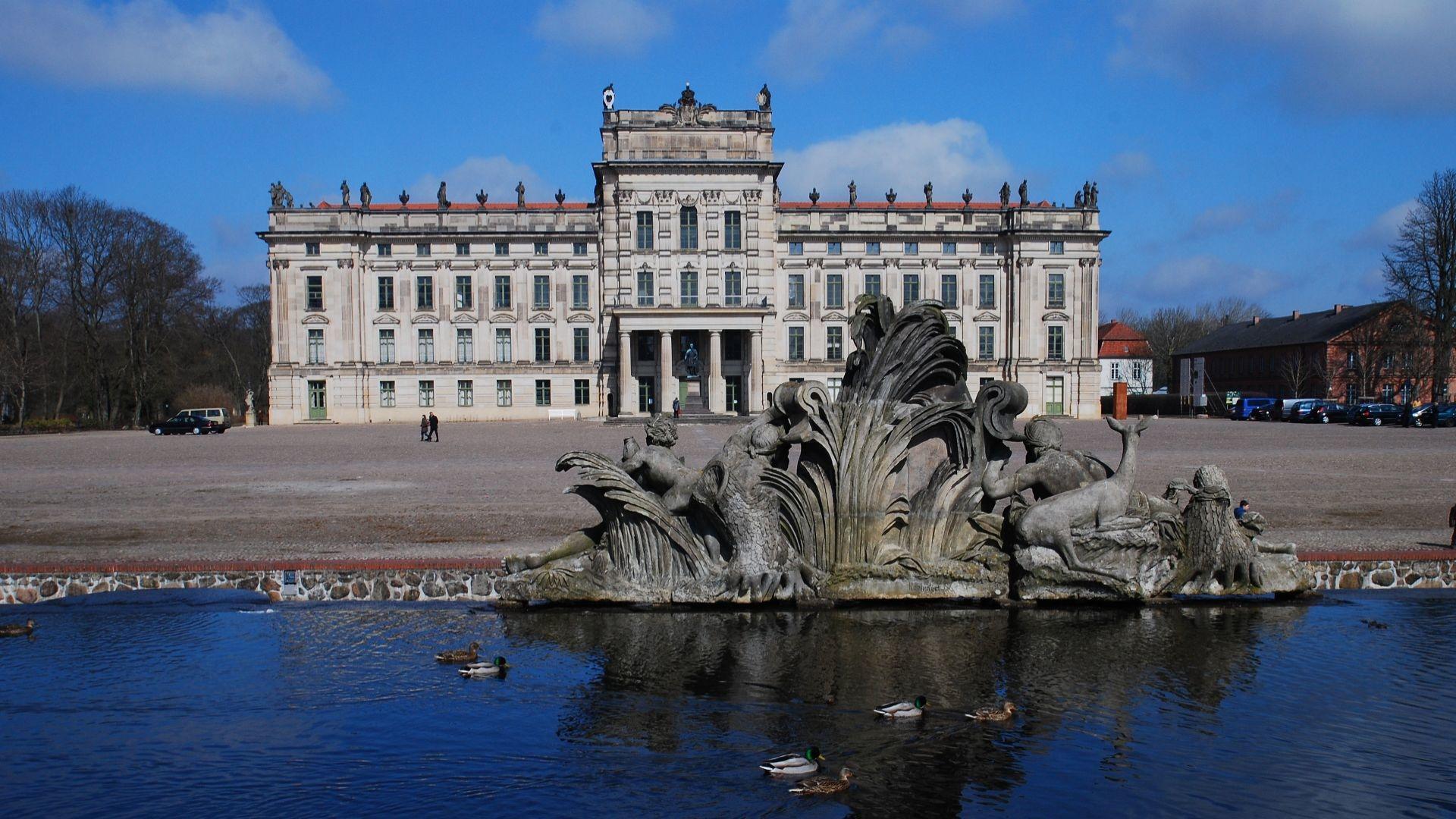 Ludwigslust Palace wallpapers HD quality