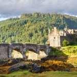 Eilean Donan Castle widescreen