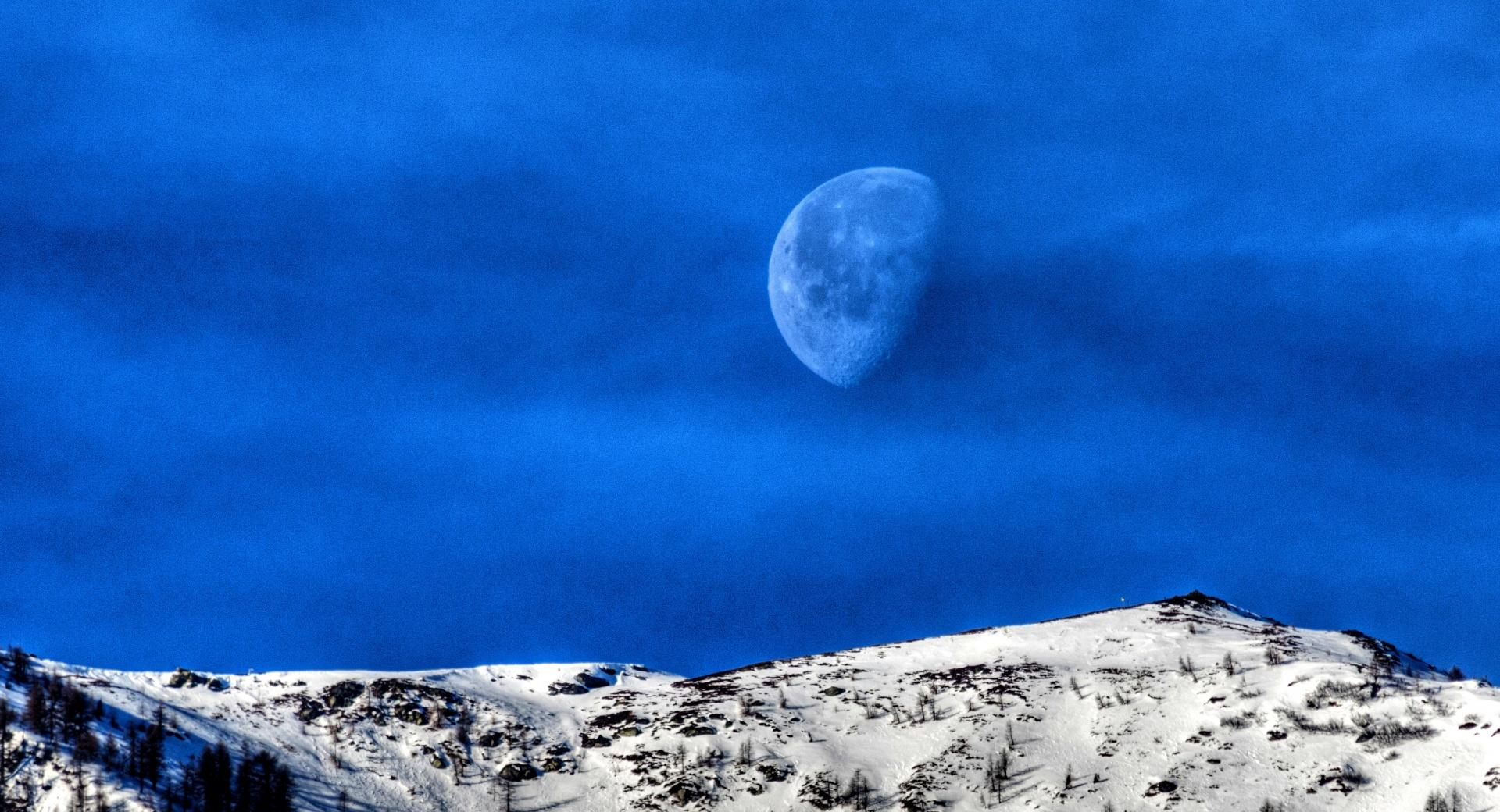 Moon Over the Hills in the Morning wallpapers HD quality
