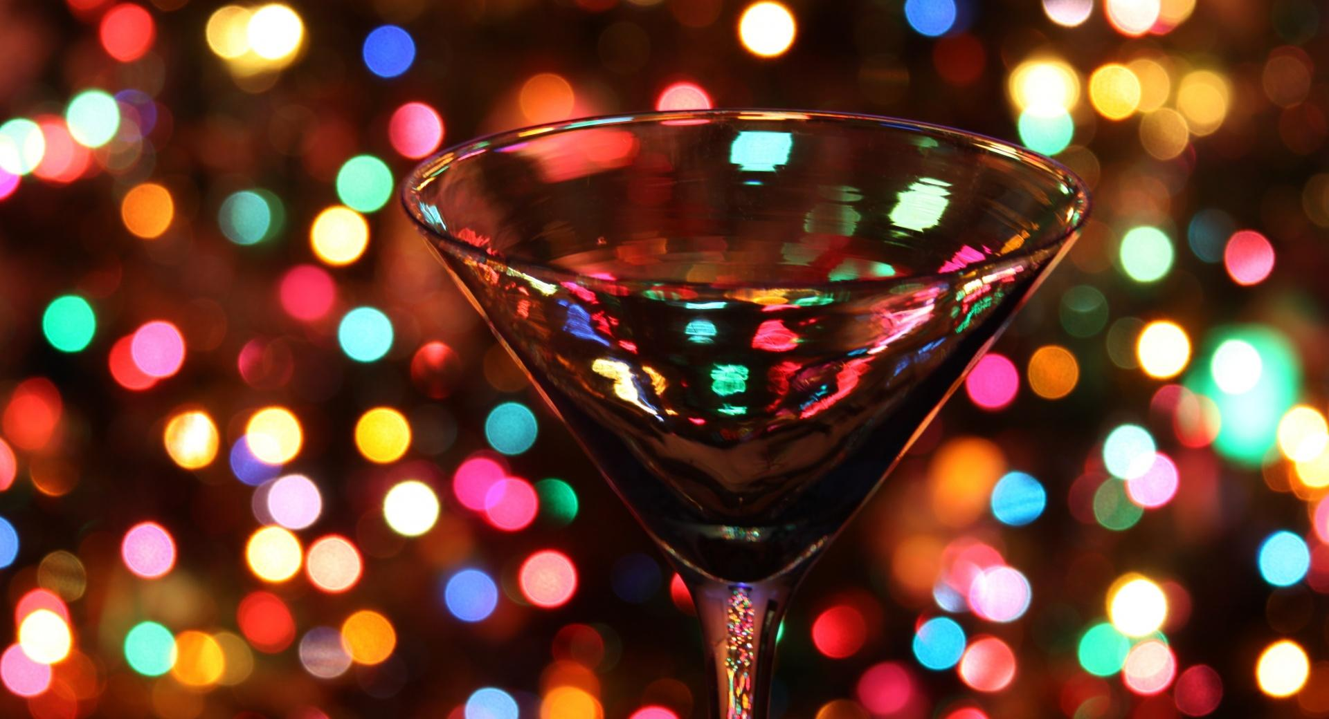 Christmas Through A Martini Glass wallpapers HD quality