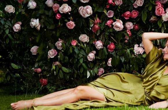 Emma Bunton and Roses wallpapers hd quality