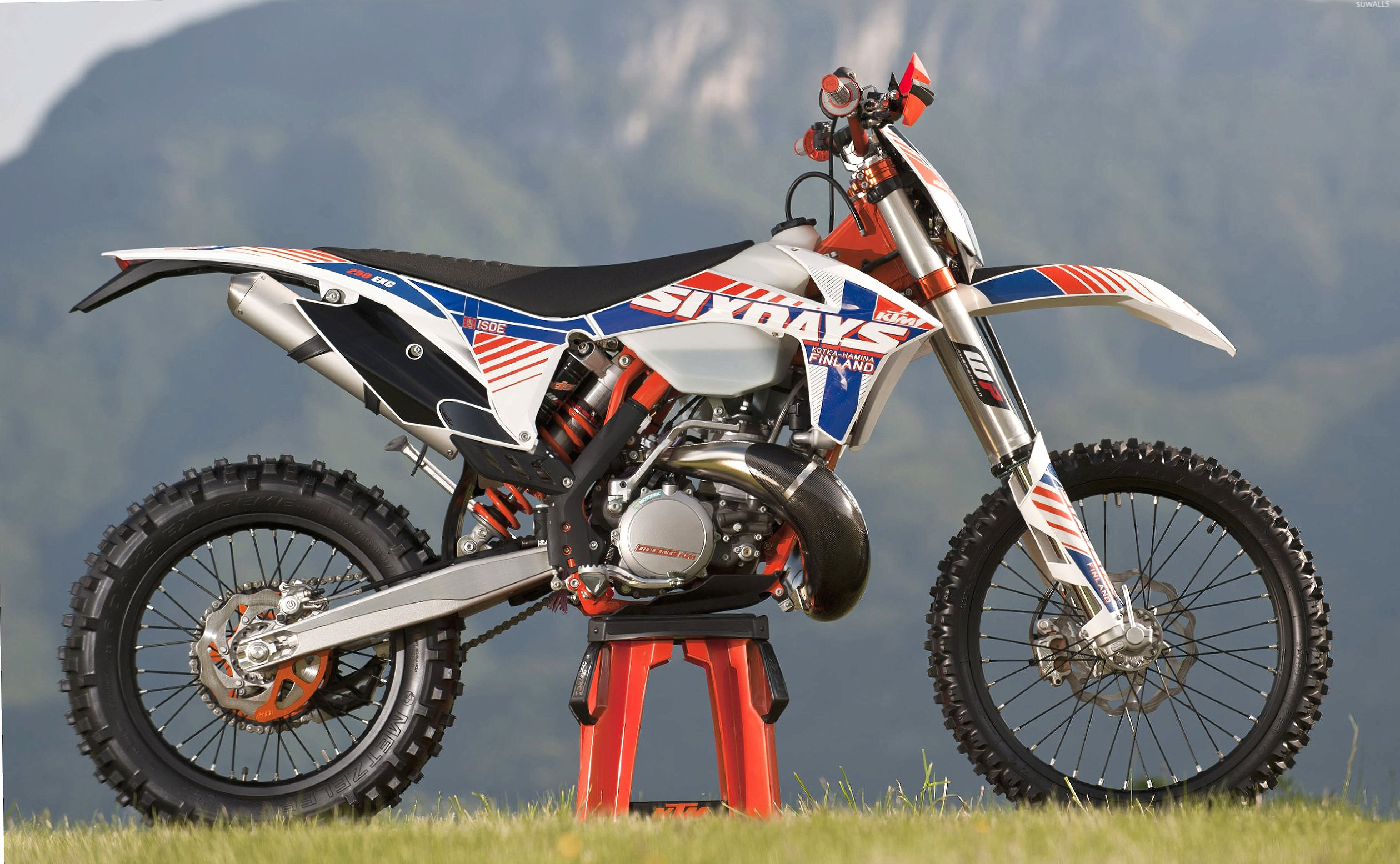 KTM 250 EXC side view wallpapers HD quality