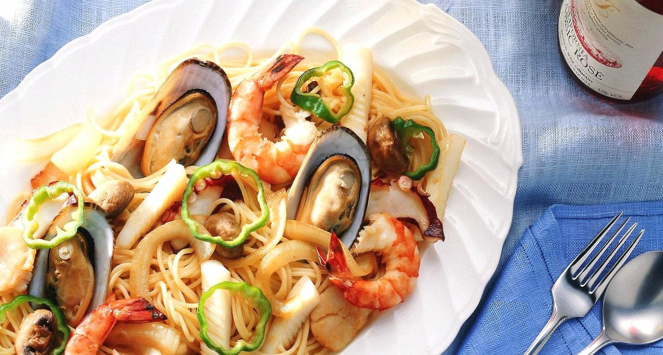Spaghetti with seafood wallpapers HD quality