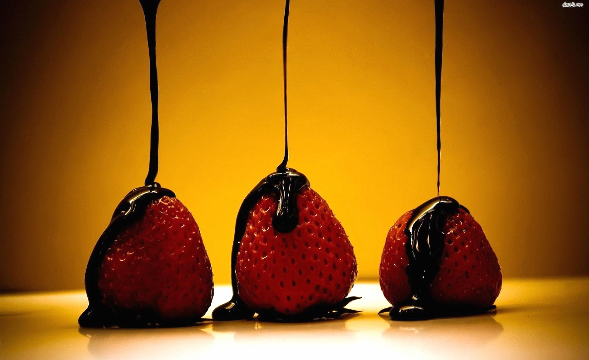 strawberries covered of chocolate wallpapers HD quality