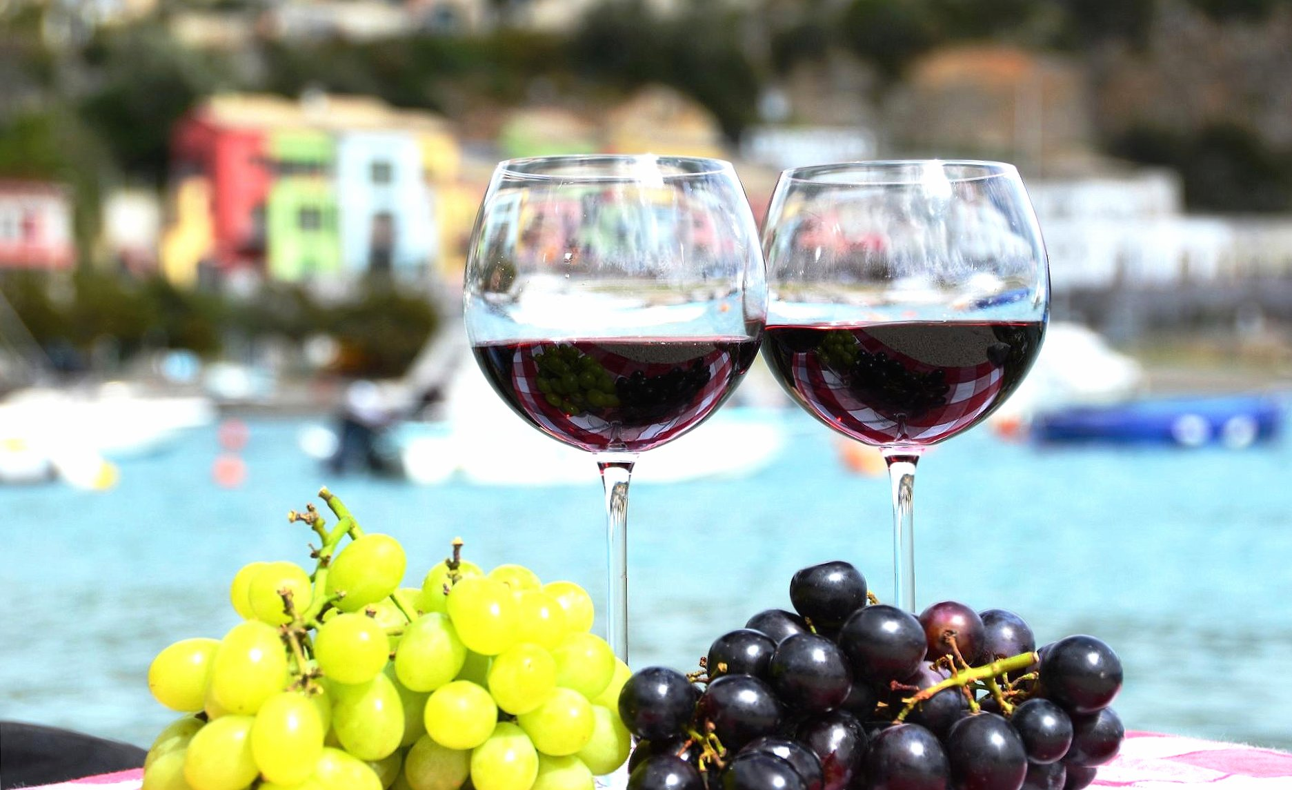 Two glasses of red wine wallpapers HD quality