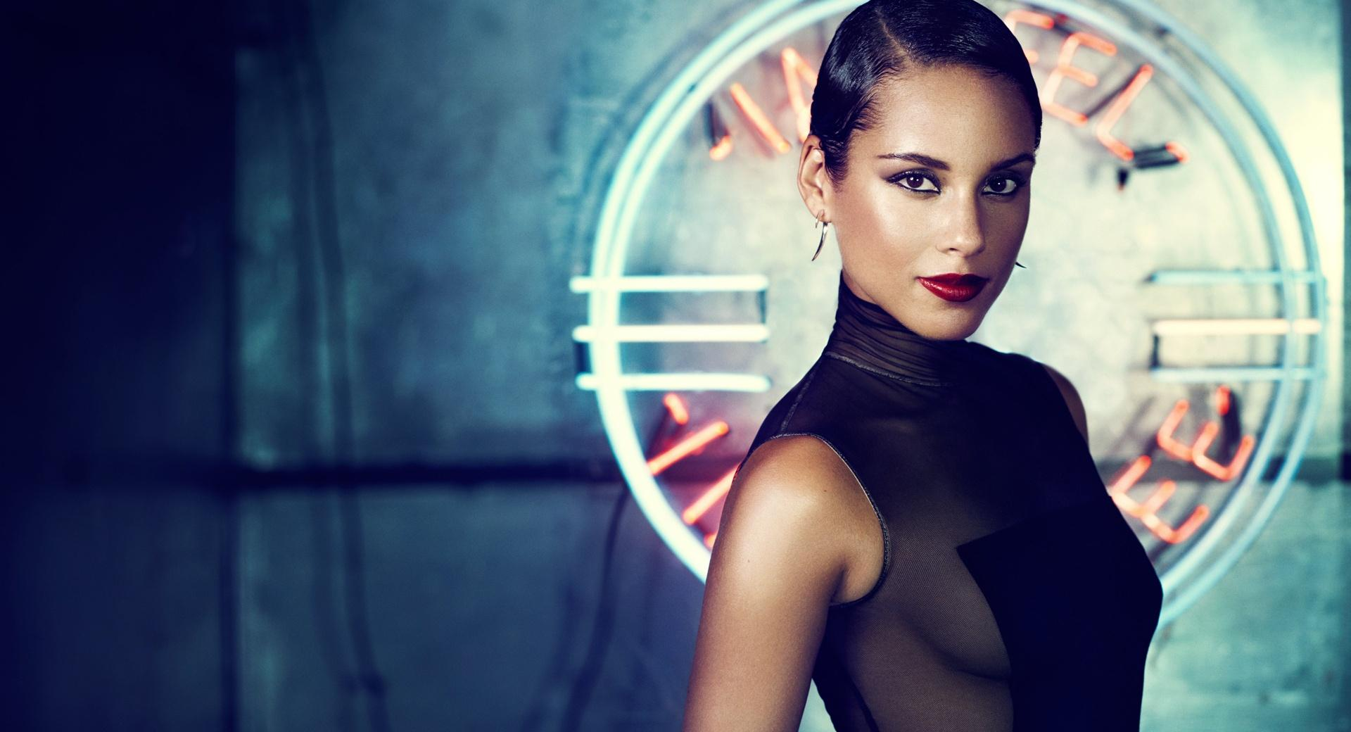 Alicia Keys Girl On Fire wallpapers HD quality