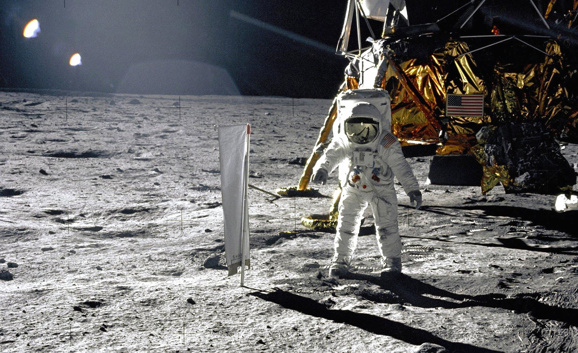 Landing in moon wallpapers HD quality
