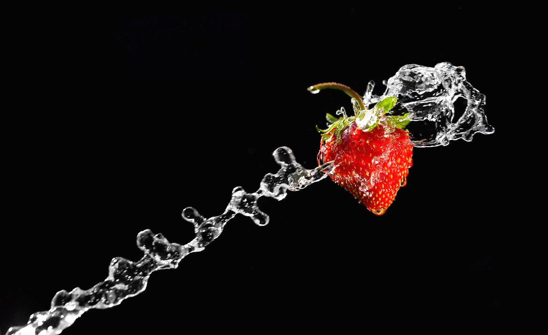 Water and strawberry wallpapers HD quality