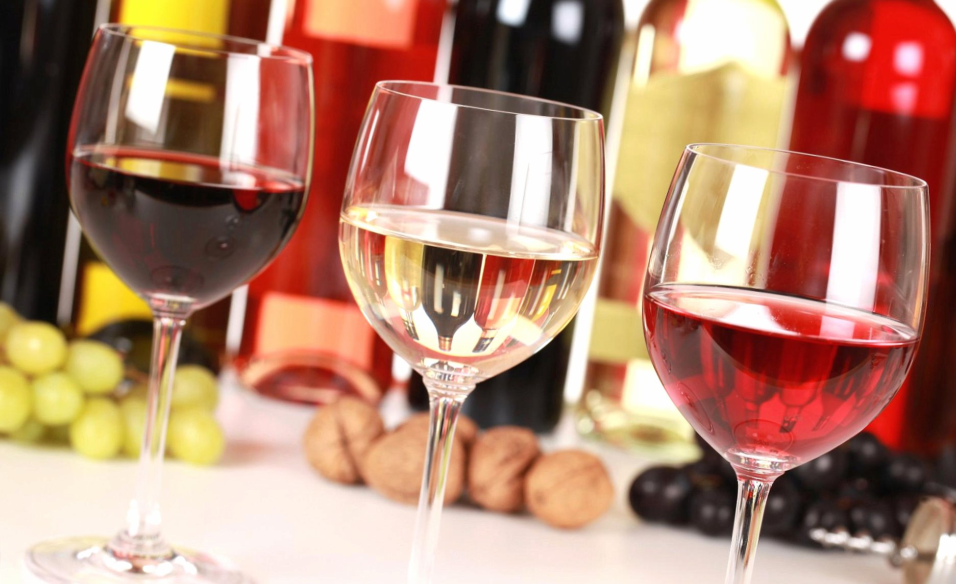 Wine in glasses wallpapers HD quality