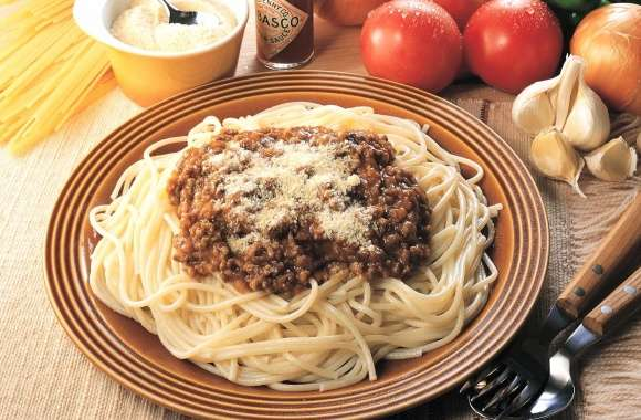 Spaghetti with meat ragout