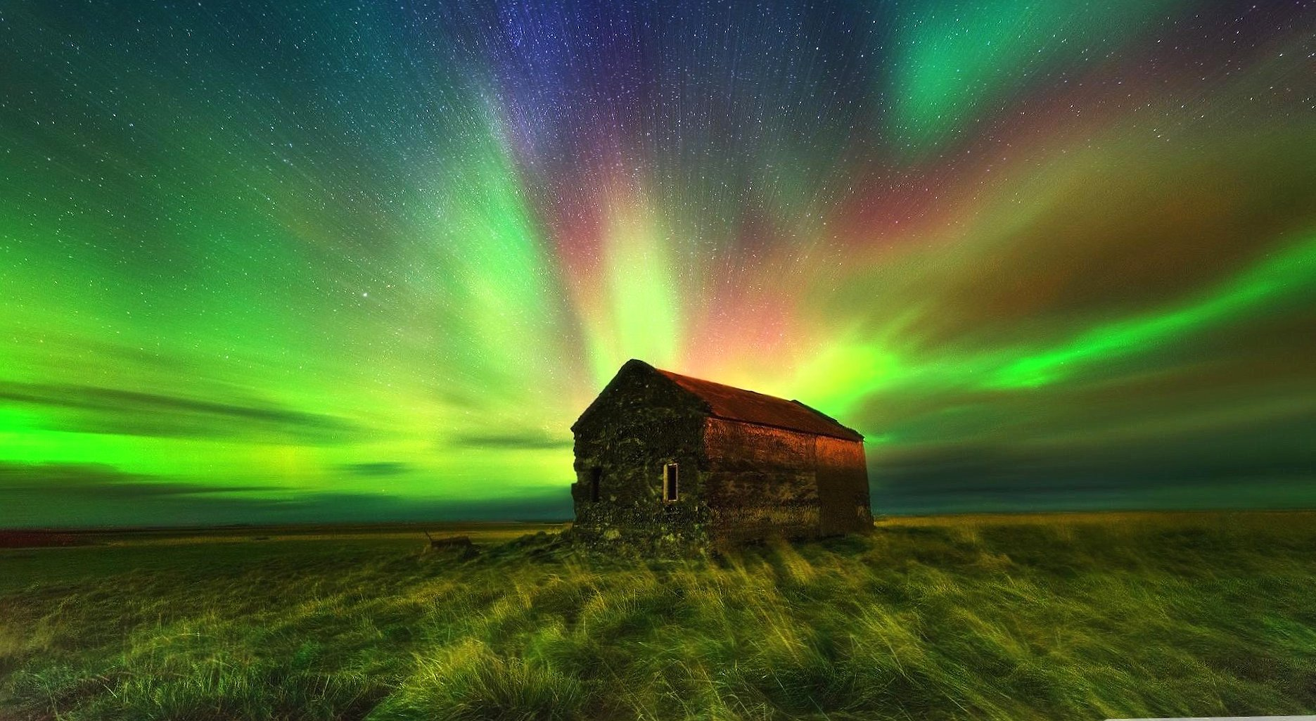 Aurora and house wallpapers HD quality