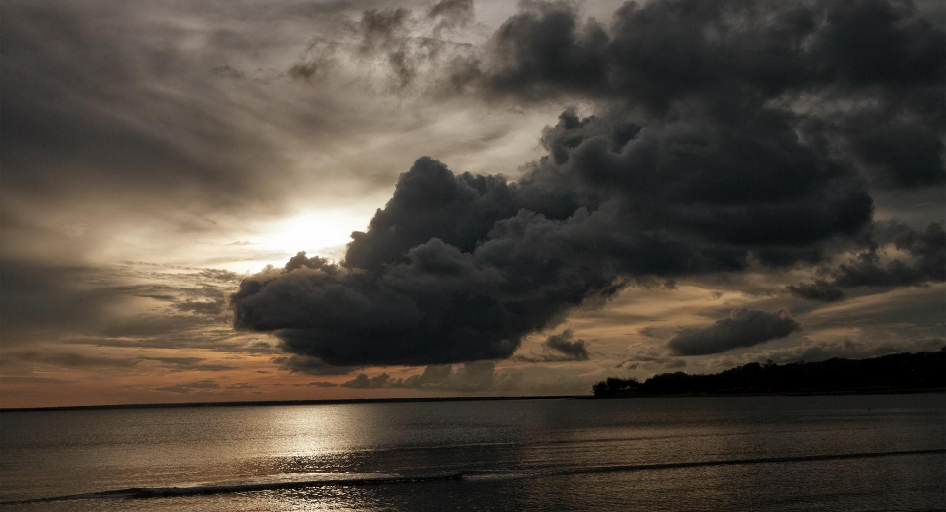 Dark Clouds - Beach at 640 x 1136 iPhone 5 size wallpapers HD quality