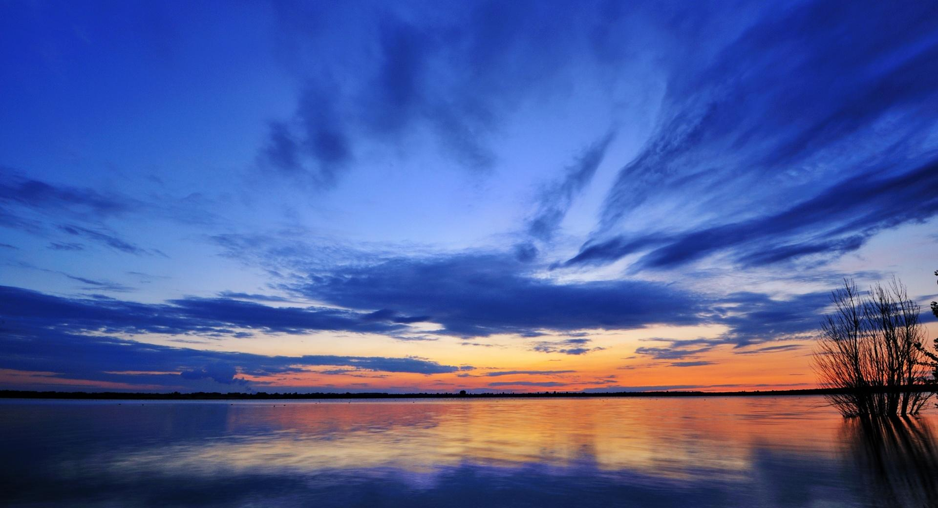 Mirroring The Clouds wallpapers HD quality