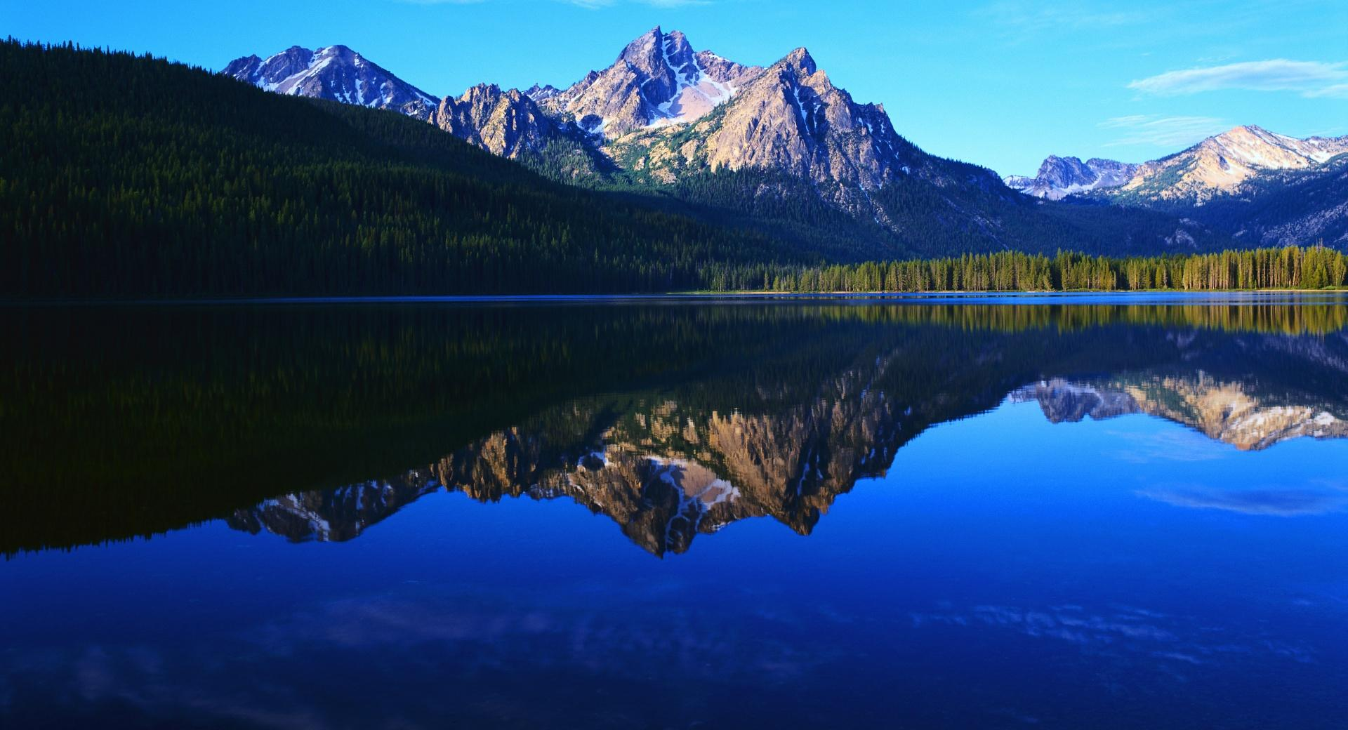 Mountain Scenery Reflection wallpapers HD quality