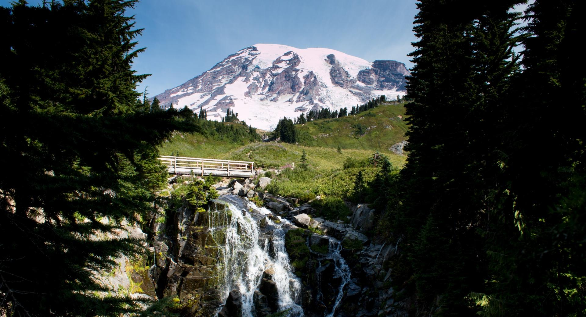 Mt Rainier, Washington at 320 x 480 iPhone size wallpapers HD quality